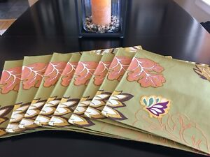 8 embroidered placemats, Better Home & Garden