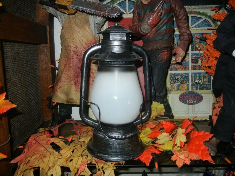 ANIMATED HAUNTED GRAVEYARD LANTERN LIGHTNING LED LIGHTED /TALKING HALLOWEEN PROP