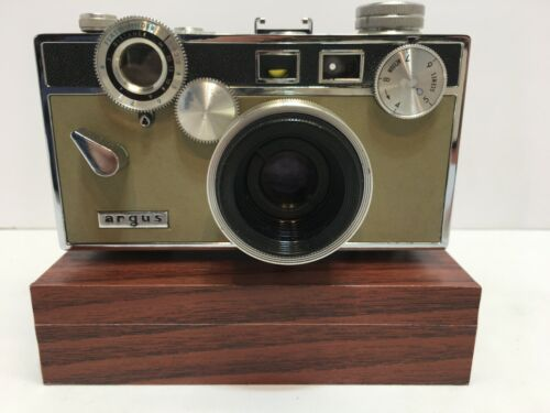 ARGUS C3 35MM CAMERA WITH CASE
