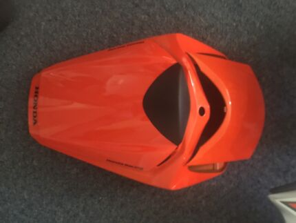 08-11 fireblade real cowl and tail fairing