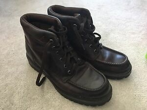 Leather Timberland Dark Brown Boots - Size 9W