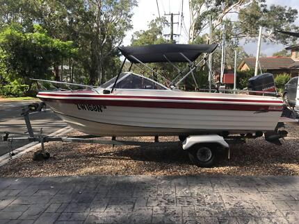 Boat - 5m Runabout 115hp Mariner (mercury) outboard