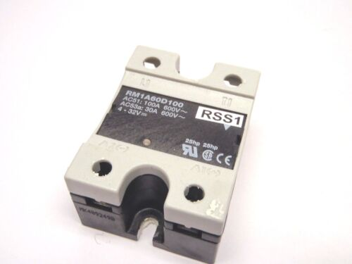 Carlo Gavazzi RM1A60D100 Zero Switch Solid State Relay 1-P 100A 600VAC 4-32VDC