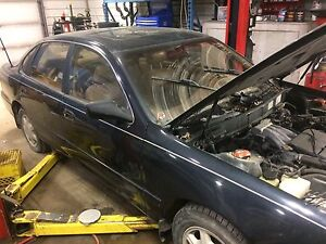 1999 Toyota Avalon XLS for parts