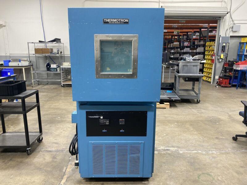 Thermotron S-8 Mini Max Environmental Temperature Test Chamber