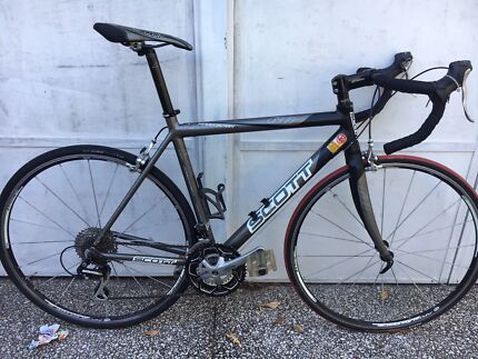 SCOTT ROAD BIKE IN EXCELLENT CONDITION