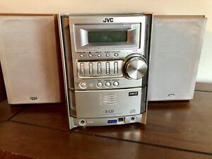 Système de son avec  deux hauts parleurs