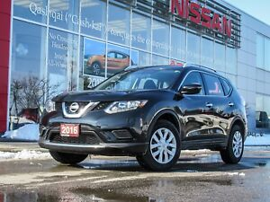 2016 Nissan Rogue S ONE OWNER TRADE WITH LOW, LOW KM'S