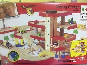 Plan City Wooden Parking Garage - new in the box