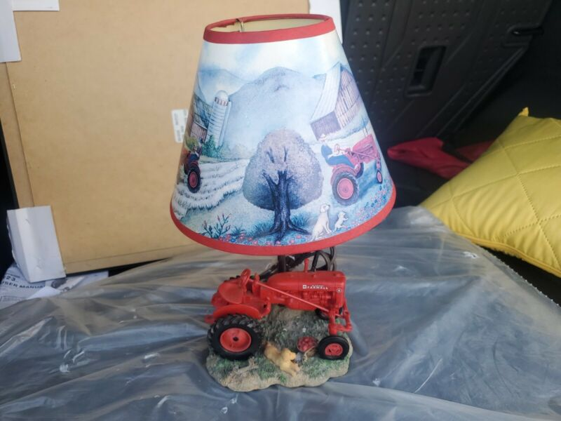 """International Harvester McCormick Farmall M Tractor 14"""" Table Lamp With Shade"""