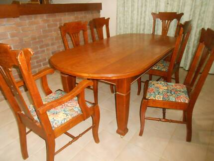 Silky Oak Dining Suite