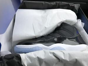 Bnib sz 10 Air Jordan 11 retro space jam