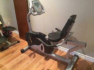 Vélo stationnaire  et elliptique