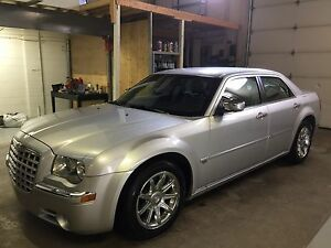 2006 CHRYSLER 300C ONLY 87200KM 5.7L HEMI ONE OWNER NO ACCIDENTS