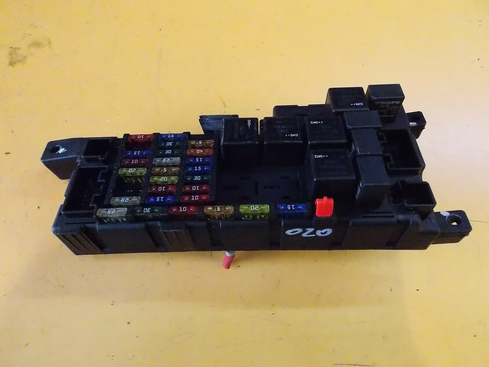VOLVO XC90 T6 AWD 2.9i '04 FUSE BOX WITH FUSES 8678449