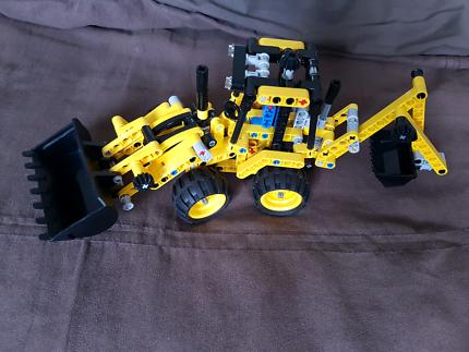 LEGO Technic Mini Backhoe Loader 42004