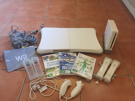 Nintendo Wii Console with Wii Fit and games Everton Hills Brisbane North West Preview