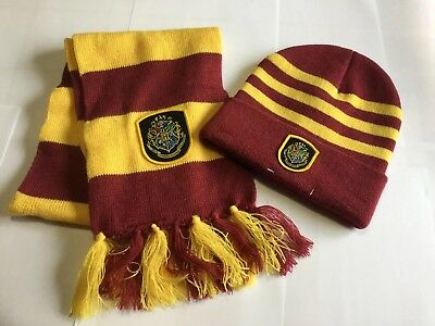 (Harry Potter Hogwarts Knit Hat and Scarf Set Beanie Official)