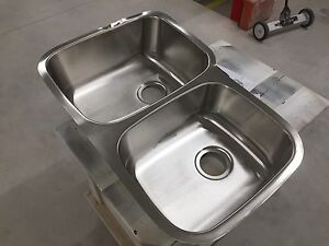 Stainless Steel Undermount Double Kitchen Sink