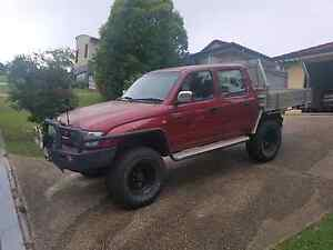 04 Dual Cab Hilux, V6, 33s, plenty of extras! Eatons Hill Pine Rivers Area Preview