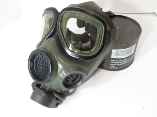 """USGI M40 gas mask with new C2A1 filter -  does not have black """"outer cover""""."""
