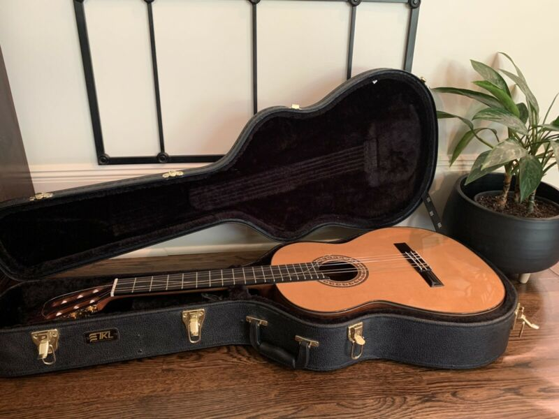 Prudencio Saez Guitar- Handmade In Spain(Case Included)