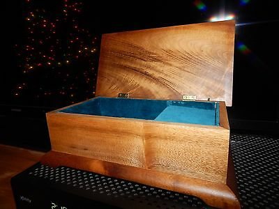 Rogue Music / Jewelry Box, Made of Cherry and Willow Wood. Superb Condition.