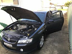 Holden crewman ute vz 2005 model log book LPG Green Valley Liverpool Area Preview