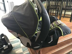 Evenflow infant seat with car base