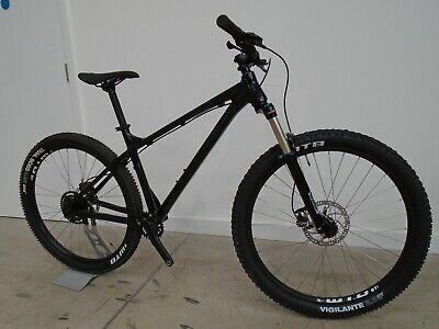 Vitus Nucleus 27 VR Mountain Bike (2021) - MEDIUM - BLACK
