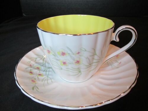 Susie Cooper Bone China England Cup & Saucer Yellow Flowers