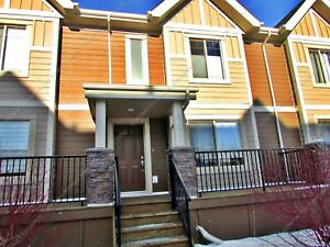 BEAUTIFUL 2-BDRM, 2.5 BATH TOWNHOUSE W/ GARAGE IN SHERWOOD PARK