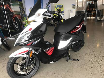 Kymco ak550 the beast is here technology at its best 2018 kymco super 8 new 2018 6 months interest free fandeluxe Image collections