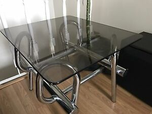 Stylish coffee table in perfect condition