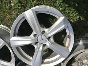 4 x Mercedes Benz mags 17 inch 5 x 112  400$