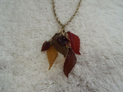 Goldtone Autumn Leaves Cluster Pendant Necklace (C23)