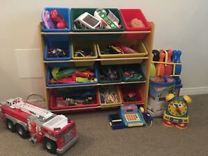 Lot de jouets avec rack, toys with rack