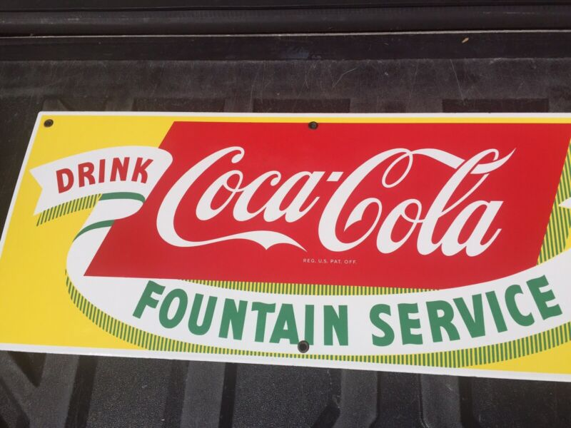 VINTAGE COCA COLA FOUNTAIN SERVICE PORCELAIN DRINK SIGN COLLECTABLE 1950s