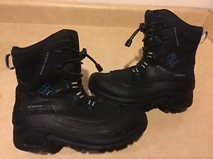 Kids Columbia Waterproof Winter Boots Size 4