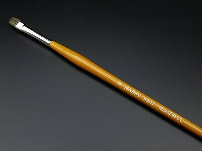 Isabey ISACRYL Short Flat Brush Series 6562 Size 4 Isabey Brush Series