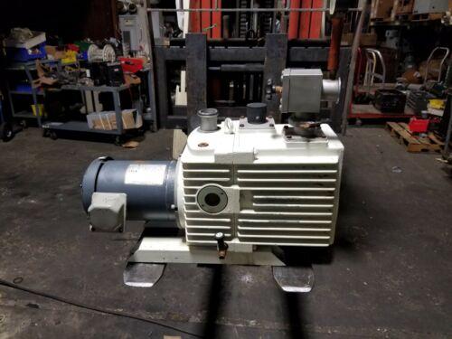 LEYBOLD TRIVAC 1.5 HP ROTARY VANE VACUUM PUMP 230/460 VAC 1725 RPM MODEL D30A