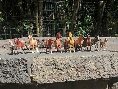 Rare 1999 Breyer Stablemates Lot Of 11 Good Condition Mares, Stallions, Foals