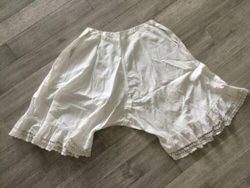Vintage Bloomers Shorts - Magnolia Pearl Look Style - White Cotton Crochet Lace