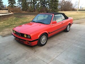 BMW E30 convertible in excellent condition