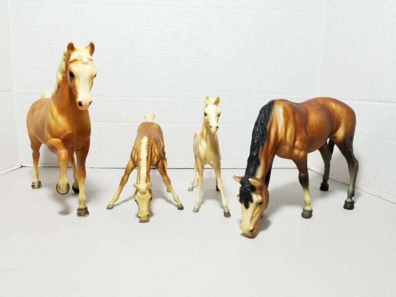 Lot Of 4 Vintage BREYER HORSES Grazing mare  9×10 & 6x7 Stallion family rare