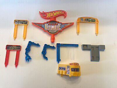 Hot Wheels Super Ultimate Garage Replacement Lot of Signs Car Wash Dinner Parts