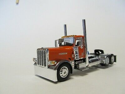 DCP 1/64 SCALE 389 PETERBILT DAY CAB, ORANGE, PRIDE & CLASS HOOD & GRILL