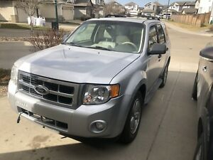 2010 Ford Escape AWD 14400 km