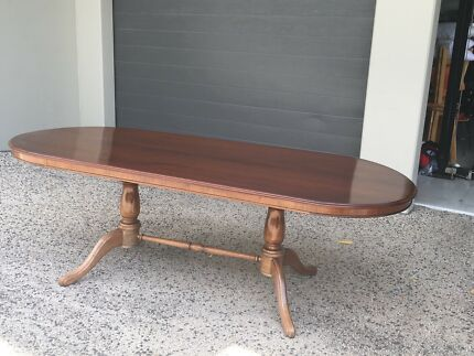 Solid Mahogony Dining Table