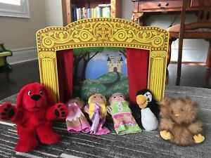 VGUC Melissa and Doug puppet theatre with misc puppets